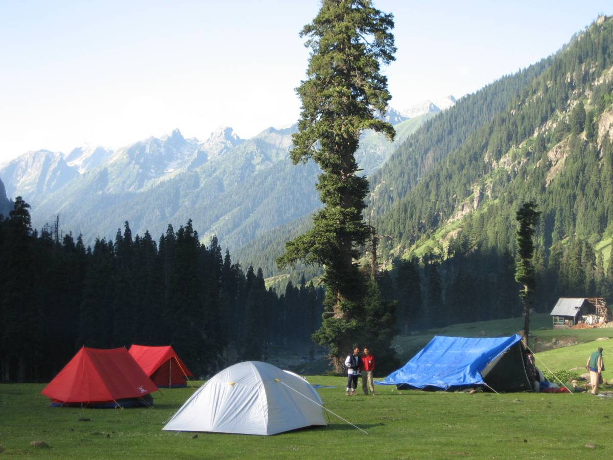 Camping on trek in Kashmir himalayas